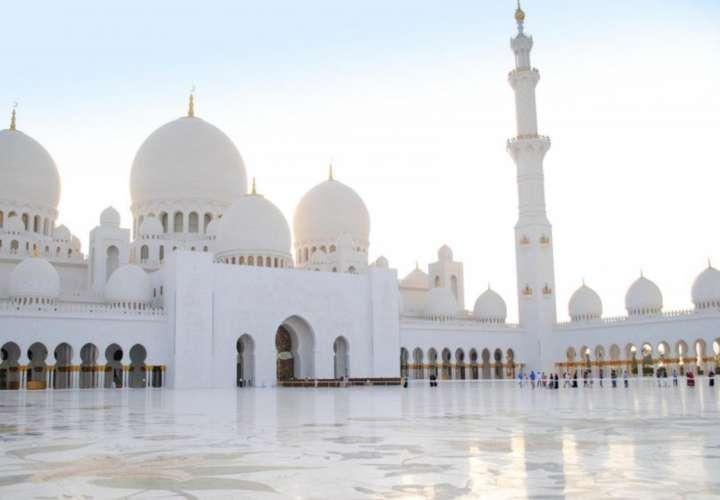 ¡Vamos pa' Dubai! Ofrecen salario de 38 mil dólares por trabajar en un palacio