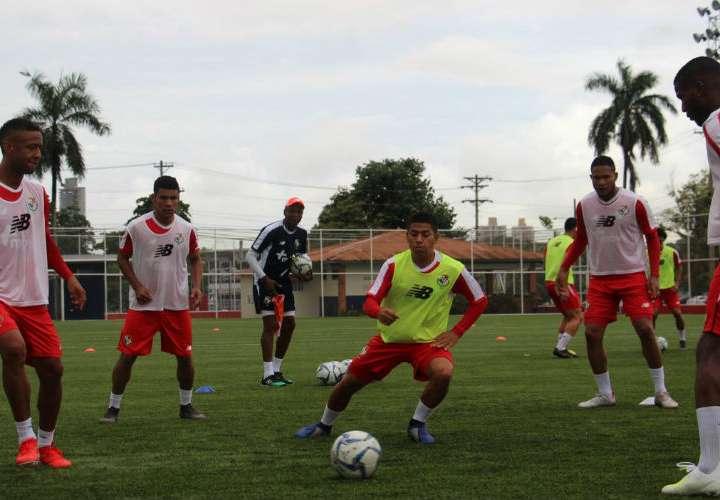 Selección Mayor de Fútbol retomó prácticas luego de amistoso ante el País Vasco