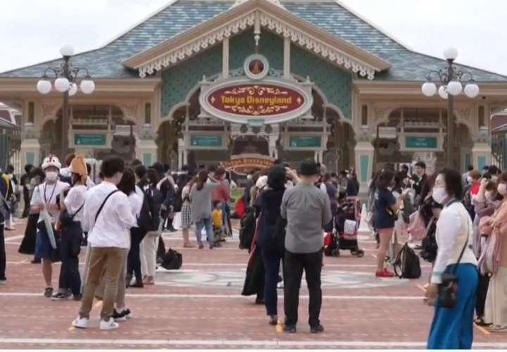 Reabren los parques de Disney en Tokio después de cuatro meses