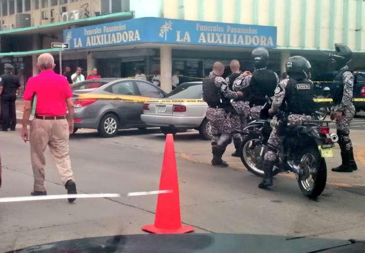 Plomean unidad del SPI en presunto auto robo en Calidonia