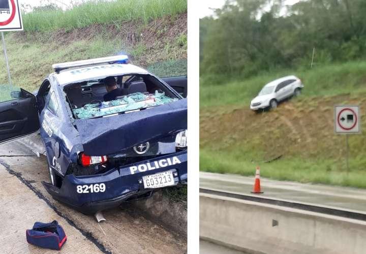 Camioneta patina en la autopista Panamá-Colón y colisiona patrulla de la policía