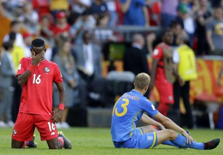 El panameño Tomas Rodríguez se lamenta tras la derrota. /AP