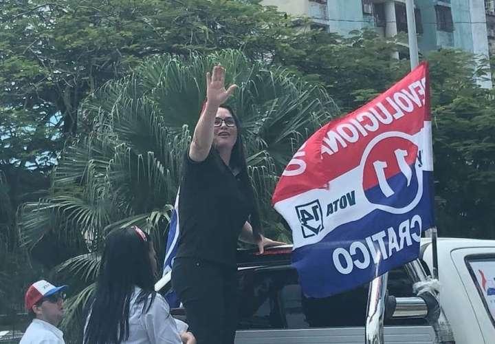 Precandidata del PRD Zulay Rodríguez en el  cierre de campaña en la provincia de Colón.