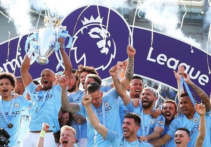 Los futbolistas del Manchester City. /AP