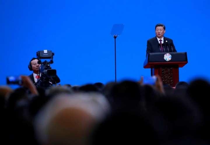 El presidente chino, Xi Jinping, habla durante la ceremonia de apertura de la Conferencia sobre el Diálogo de las Civilizaciones Asiáticas este miércoles, en Pekín (China). EFE
