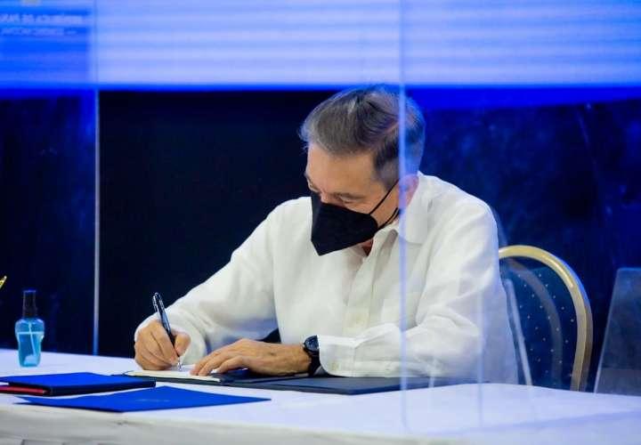 Presidente sanciona Ley que crea régimen especial EMMA