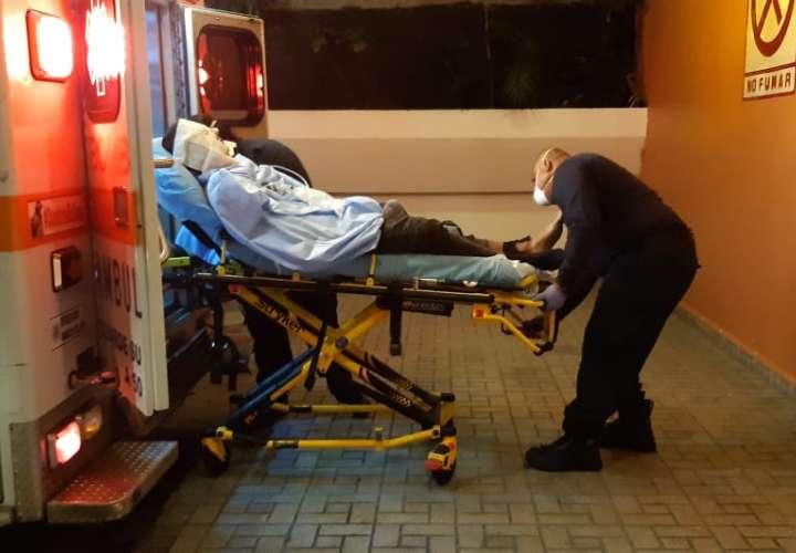 Hombre sufre quemaduras en su cuerpo tras incendio en casa