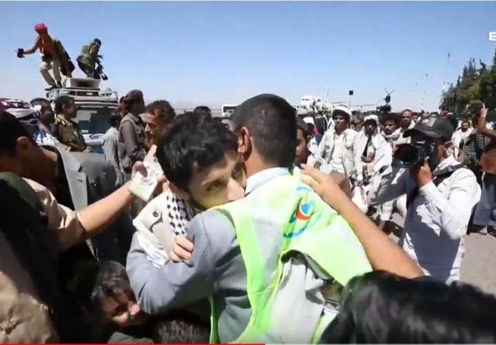 Hutíes y Gobierno yemení completan el mayor canje de prisioneros