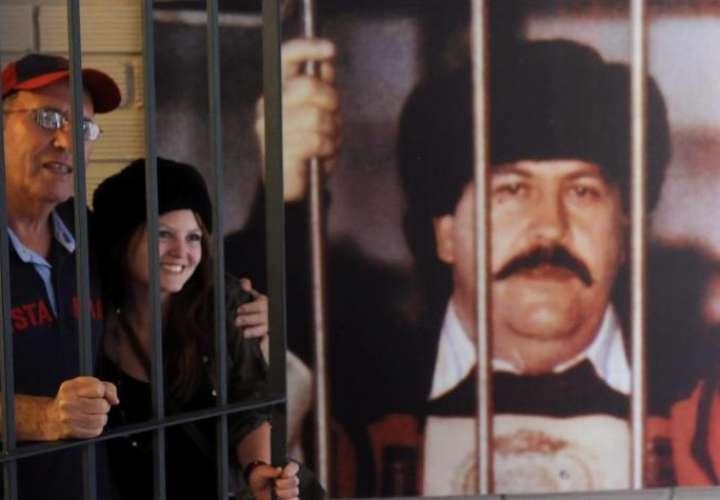Hermano de Pablo Escobar demanda a Apple tras supuesto 'hackeo' de su celular