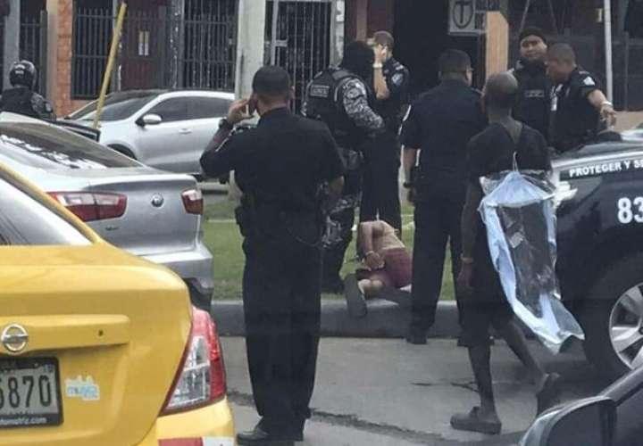 Robo, persecución y captura como de película en la avenida Domingo Díaz (Video)