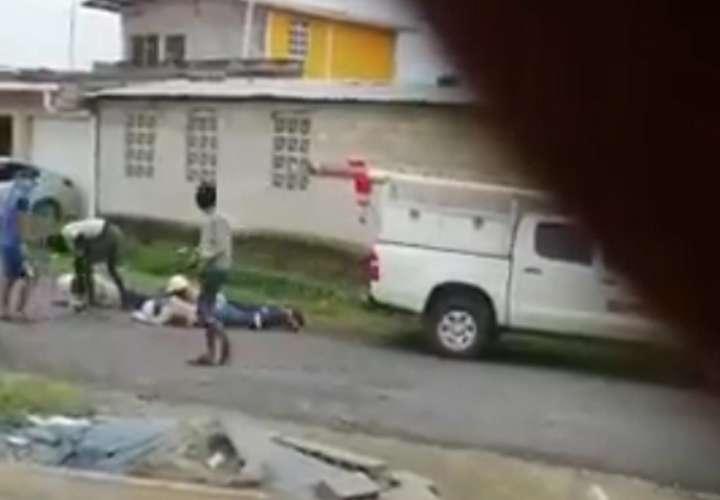 Asaltan a trabajadores de empresa eléctrica a plena luz del día en Colón (Video)