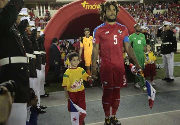 El capitán de la Roja, Román Torres. Foto: Anayansi Gamez