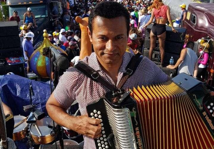 Samy será uno de los abanderados en la fiesta de San Juan Bautista en Chitré