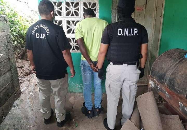 Nuevos allanamientos en zonas rojas de San Miguelito: Detenciones, armas y droga