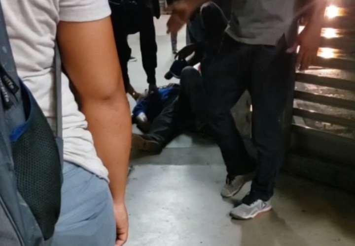 Hombre se desmaya en zona paga de Los Andes