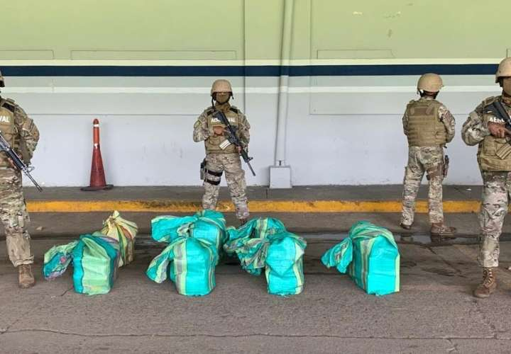Confiscan 152 paquetes de droga al sur de Punta Coco