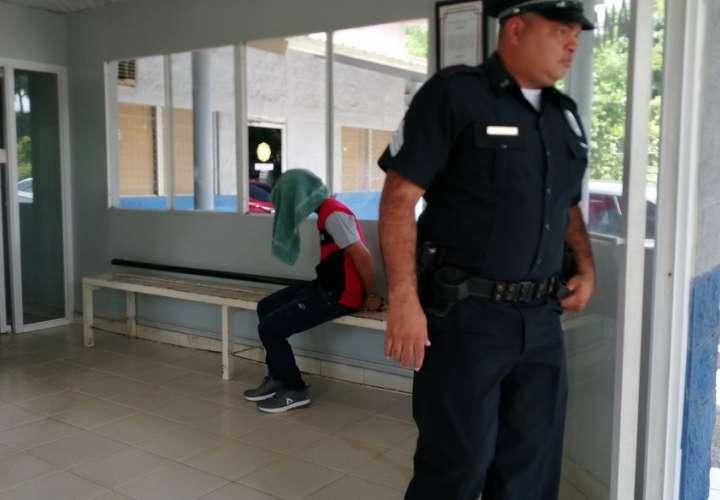 Vistas del traslado del sospechoso. Foto: Eric Montenegro