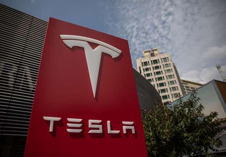 """Acciones de Tesla se desploman un 10% por las dudas sobre su """"Battery Day"""""""