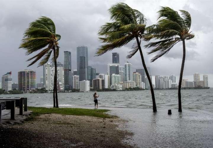 La tormenta ha motivado en Florida advertencias de tornados e inundaciones. Foto: EFE - Ilustrativa