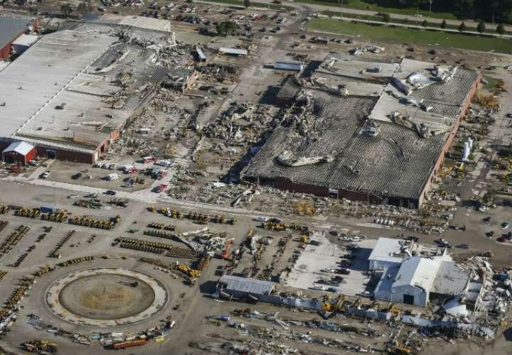 Los daños a las plantas de producción en Vermeer Corp., un fabricante de equipos agrícolas y de construcción en Pella, Iowa, se ven en una vista aérea, después de que un tornado atravesó el área. Foto: AP