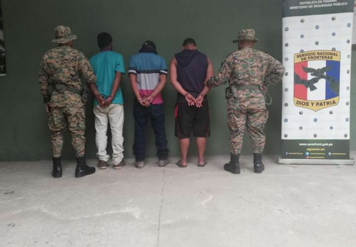 Caen tres panameños por tráfico ilegal de migrantes en Darién