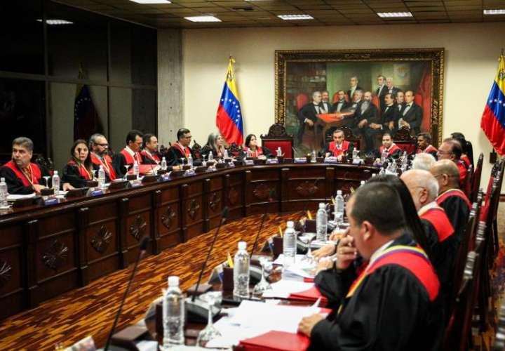 Vista general durante una reunión del Tribunal Supremo de Justicia de Venezuela en Caracas (Venezuela). EFE