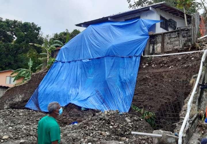 Cuatro familias afectadas por deslizamientos en San Miguelito [Video]