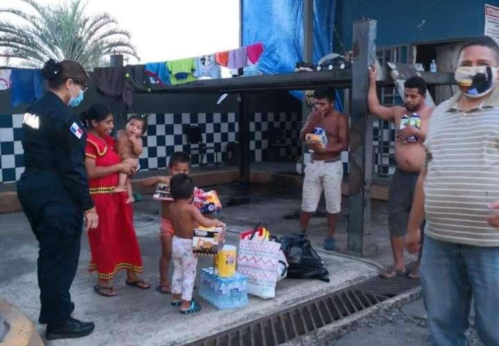 Familia desalojada termina en el rincón de lava auto