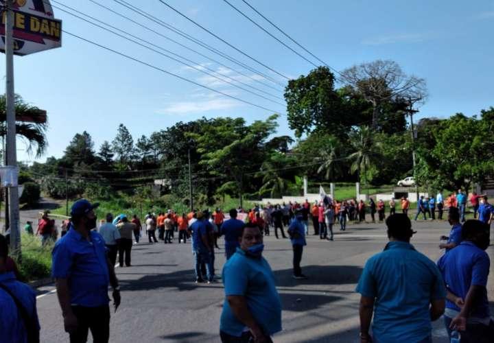 Transportistas de Panamá Oeste protestan para exigir ayuda al Gobierno [Video]