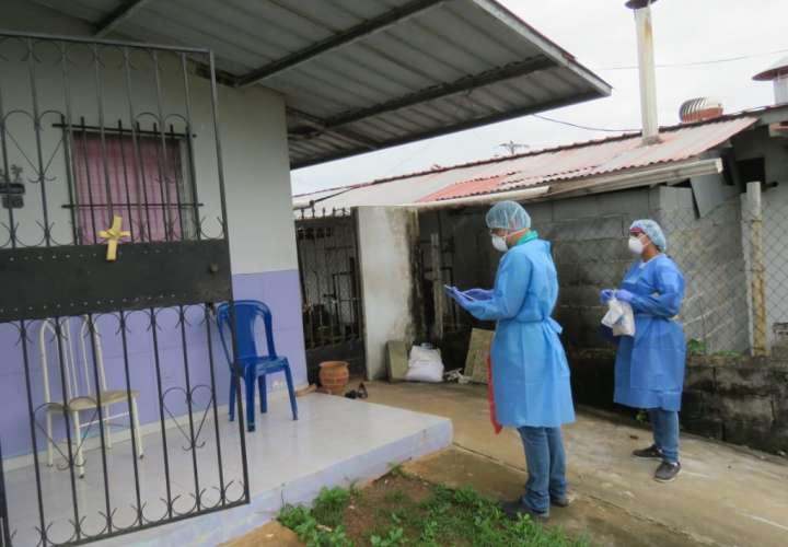 ¡43% de panameños cogíos con el virus