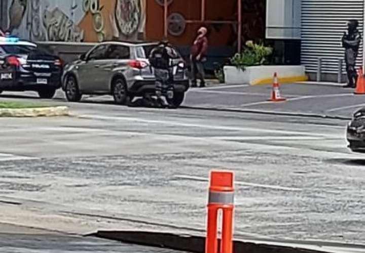 Hombre se desploma en las inmediaciones del hospital Punta Pacífica