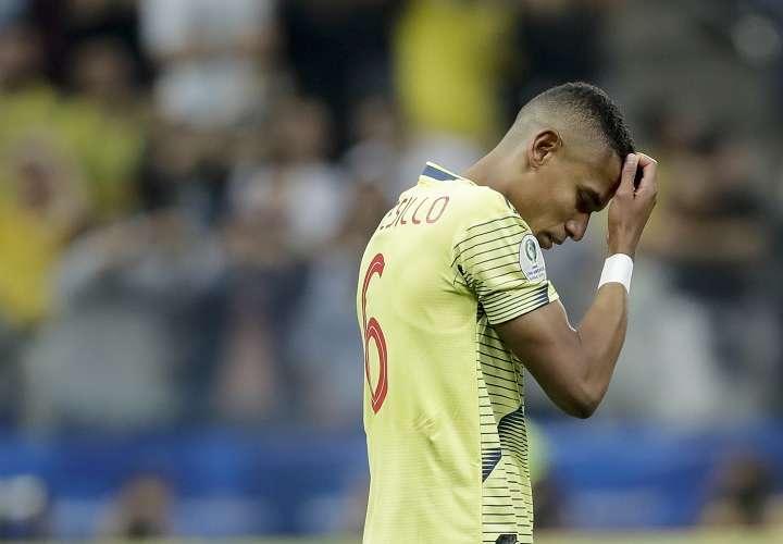 Momento en que William Tesillo erró un penalti en cuartos de final de la Copa América. Foto: AP
