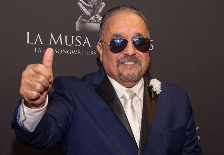 El compositor y músico neoyorquino Willie Colón fue registrado este jueves, durante la alfombra de La Musa Awards 2019, en el James L. Knight Center de la ciudad de Miami (Florida, EE.UU.). EFE