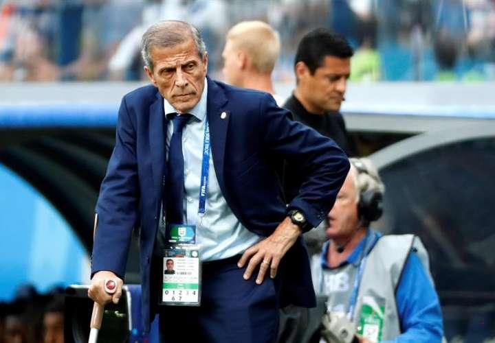 El técnico uruguayo Óscar Tabárez durante el partido Uruguay-Francia, de cuartos de final. Foto EFE