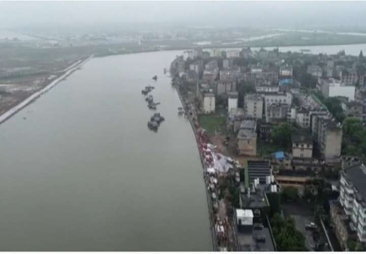 Ciudad china de Wuhan, en alerta roja por posibles inundaciones (Video)