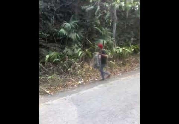 Embedded thumbnail for #WhatsAppCri Una buena acción (video)