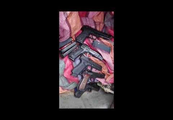 Embedded thumbnail for Taxi preñado de armas (Video)