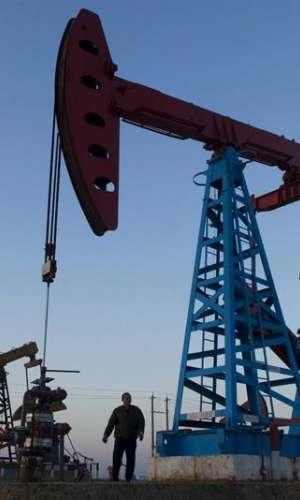 Vista de un pozo de petróleo. EFE/Archivo