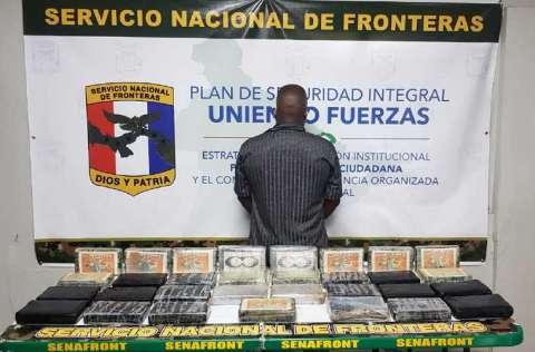Mercancía que se decomisó en la Costa Arriba y Bayano. Fotos: Cortesía