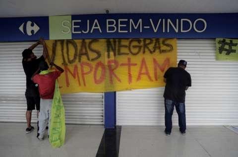 El brutal asesinato de Joao Alberto Silveira Freitas, evocó otras asociadas al racismo. FOTO/EFE