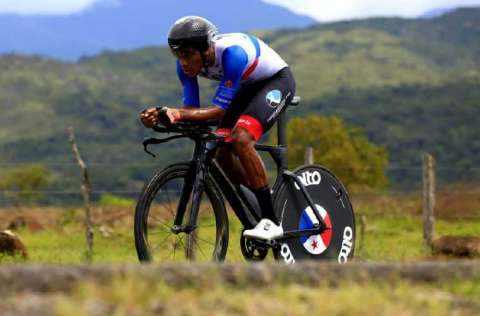 Christofer Jurado tendrá el reto de mantenerse de líder general individual después de disputada la etapa de hoy viernes. Foto: Fepaci