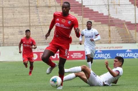 Abdiel Ayarza (c) tuvo un buen torneo en Perú. Foto: Cortesía