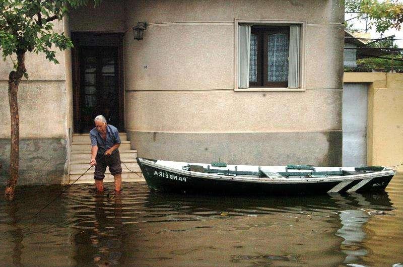 Inundaciones provocadas por fuertes lluvias.