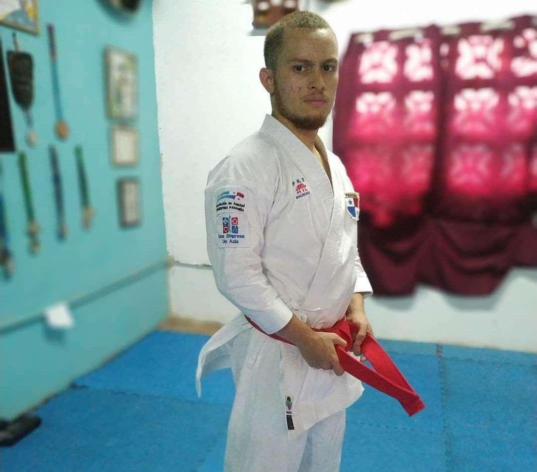 Héctor Cención ganó recientemente el Primer Torneo Virtual Mundial de Karate, en la modalidad de Kata.
