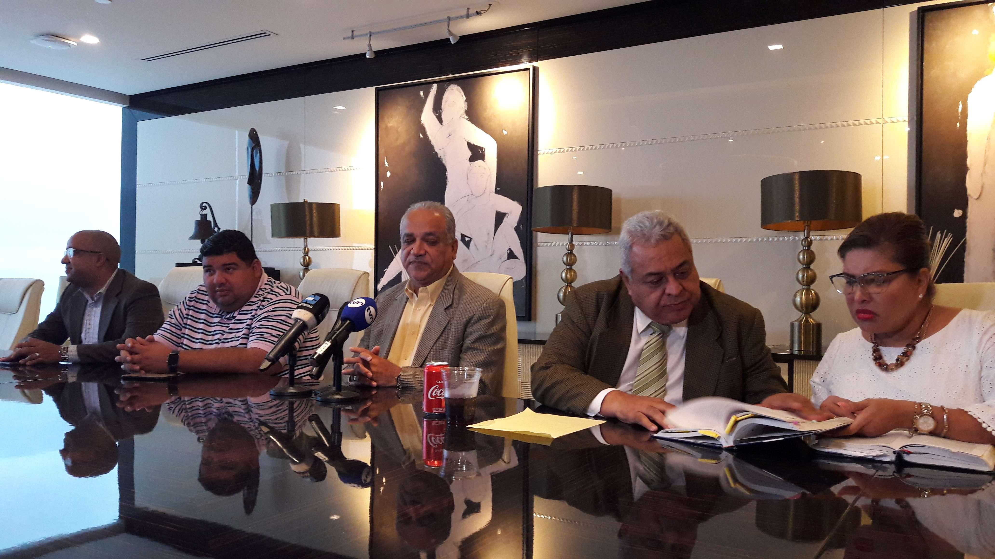 El Movimiento está conformado por su vocero, sus abogados y el exjefe de campaña política. Foto: Jean Carlos Díaz
