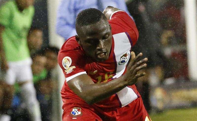 El delantero colonense Abdiel Arroyo pertenece a la Liga Deportiva Alajuelense. Foto EFE