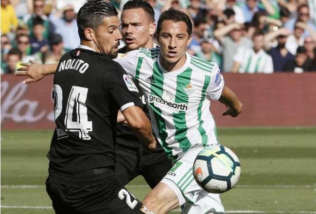 El centrocampista mexicano del Real Betis Andrés Guardado. Foto: EFE