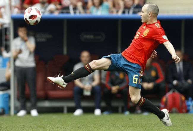 El excapitán del FC Barcelona Andrés Iniesta. Foto:AP