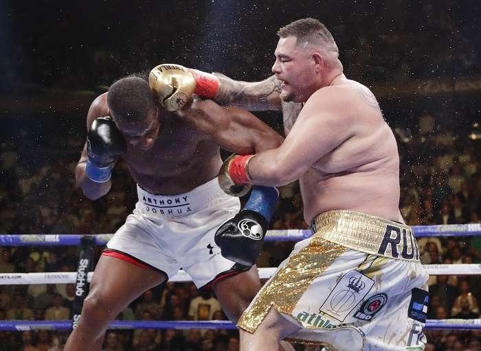 Joshua sufrió la primera derrota de su carrera profesional cuando fue noqueado por Ruiz Jr. en el séptimo asalto. Foto: AP