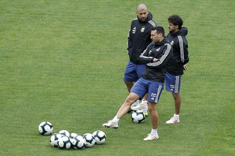 El técnico argentino compareció en el Arena Corinthians de Sao Paulo, donde este sábado jugarán contra Chile por el tercer puesto de la Copa América. Foto: AP